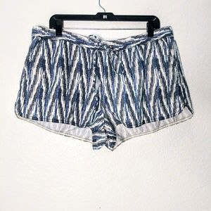 J. Crew drawstring shorts sz XL